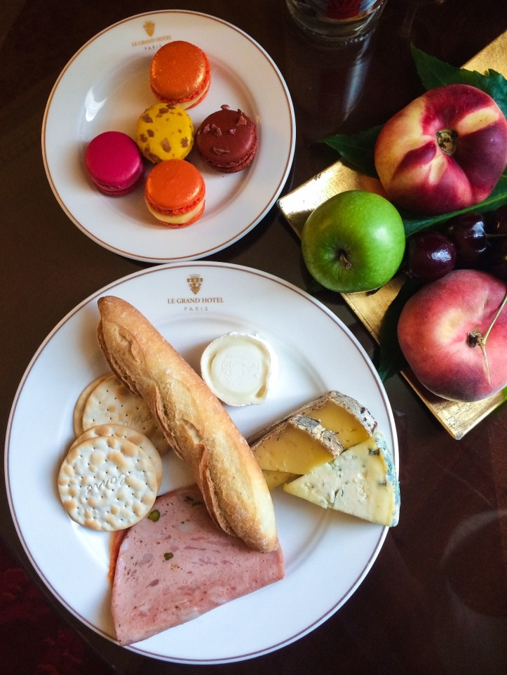Bonjour Paris! The gastronomic pleasures continue with our Le Grande Hotel room's delicious greetings.