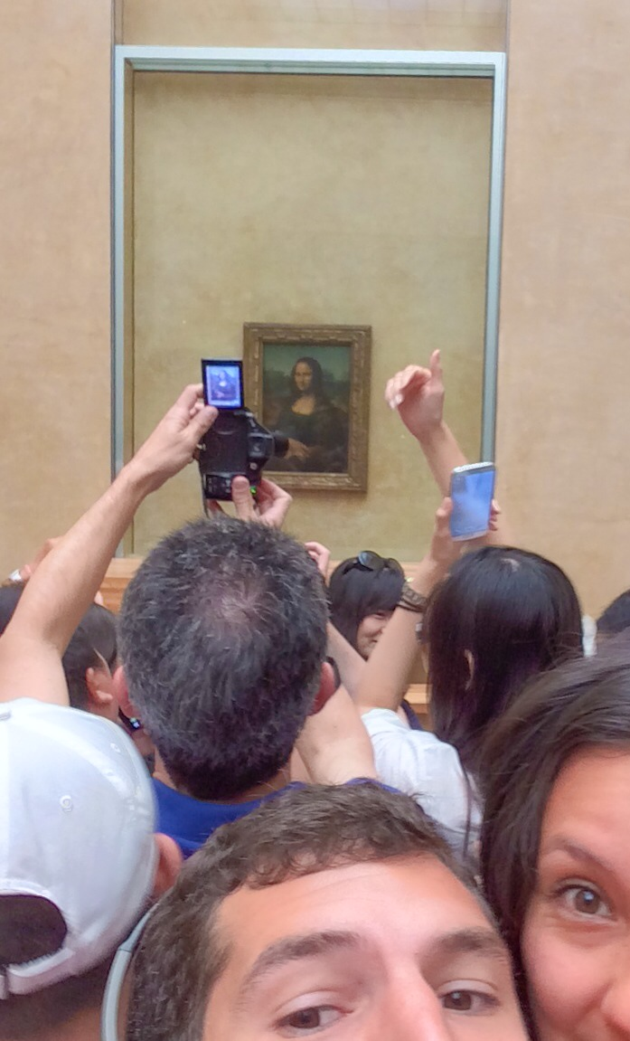 This picture explains my love-hate relationship with the Louvre.
