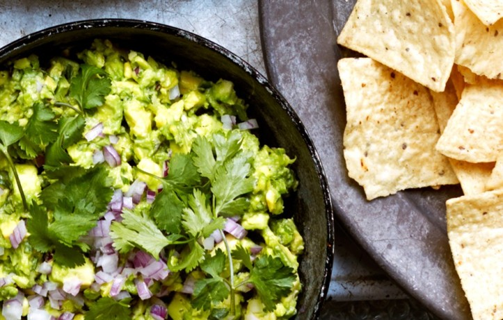 celery-spiked-guacamole-with-chiles-940x600